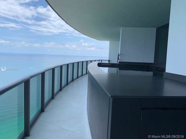 18555 Collins Ave #4305, Sunny Isles Beach, FL 33160 (MLS #A10734837) :: Green Realty Properties