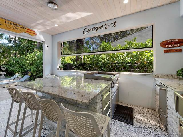 621 SE 8th St, Fort Lauderdale, FL 33316 (MLS #A10762272) :: The Howland Group