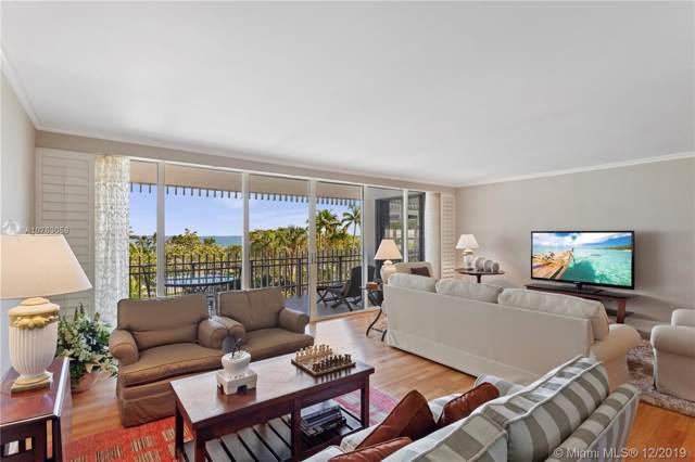 1 Grove Isle Dr A407, Miami, FL 33133 (MLS #A10763059) :: Berkshire Hathaway HomeServices EWM Realty