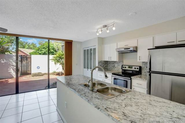 13390 SW 91st Ter E, Miami, FL 33186 (MLS #A10844900) :: THE BANNON GROUP at RE/MAX CONSULTANTS REALTY I
