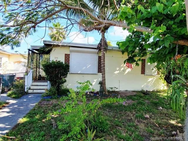 275 E 45th St, Hialeah, FL 33013 (MLS #A10895001) :: The Howland Group