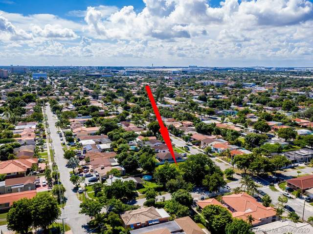 3000 NW 3rd St, Miami, FL 33125 (MLS #A10911523) :: Lucido Global