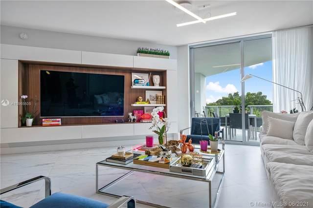 17111 Biscayne Blvd #208, North Miami Beach, FL 33160 (MLS #A10965505) :: The Rose Harris Group