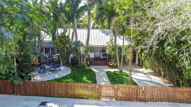 2926 SW 30th Ct, Coconut Grove, FL 33133 (MLS #A10996467) :: The Riley Smith Group
