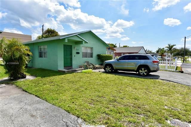 615 NW 3rd Ct, Hallandale Beach, FL 33009 (MLS #A11006048) :: Prestige Realty Group