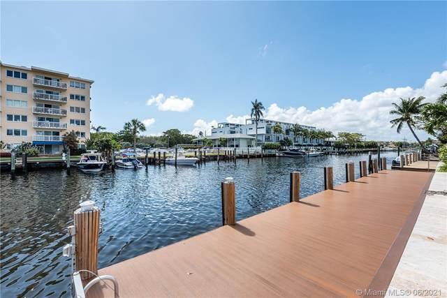 2752 NE 3rd St, Pompano Beach, FL 33062 (MLS #A11009273) :: The Rose Harris Group