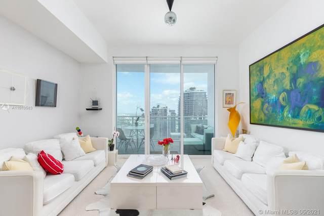 950 Brickell Bay Dr #5101, Miami, FL 33131 (MLS #A11010583) :: Douglas Elliman