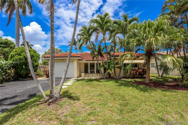 1341 Funston St, Hollywood, FL 33019 (MLS #A11048208) :: The Howland Group