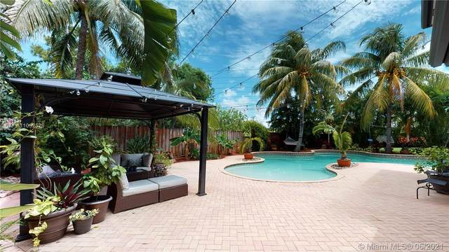 13340 SW 122nd Ave, Miami, FL 33186 (MLS #A11052579) :: The Riley Smith Group