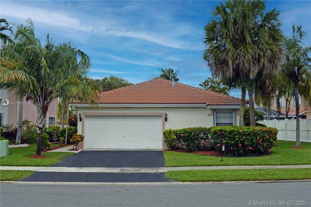 5 Gables Blvd, Weston, FL 33326 (MLS #A11062774) :: Re/Max PowerPro Realty