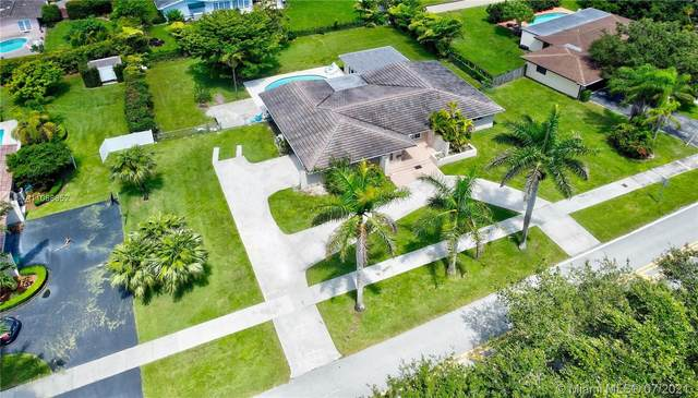 13620 SW 102nd Ave, Miami, FL 33176 (MLS #A11068952) :: Prestige Realty Group