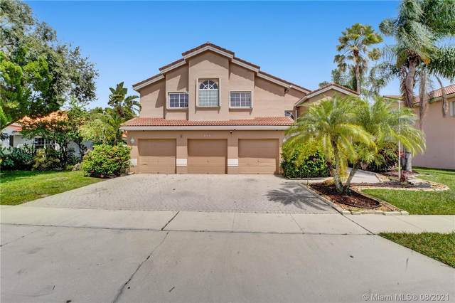 955 NW 203rd Ave, Pembroke Pines, FL 33029 (MLS #A11087763) :: The Rose Harris Group