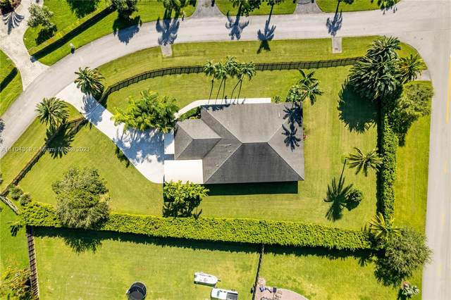 27950 SW 168th Ct, Homestead, FL 33031 (MLS #A11104319) :: The Pearl Realty Group