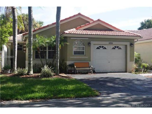 13552 NW 5th Ct, Plantation, FL 33325 (MLS #A10330401) :: The Teri Arbogast Team at Keller Williams Partners SW