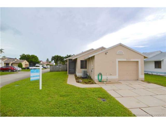 11000 SW 10th Ct, Pembroke Pines, FL 33025 (MLS #A10331877) :: Green Realty Properties