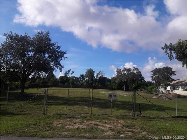 9800 SW 66 St, Miami, FL 33173 (MLS #A10481928) :: Berkshire Hathaway HomeServices EWM Realty