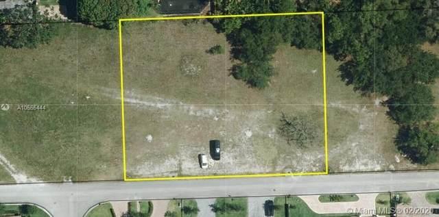 9441 SW 123rd St, Miami, FL 33176 (MLS #A10555444) :: Grove Properties