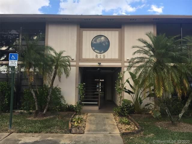 819 NE 199th St 6-203, Miami, FL 33179 (#A10737714) :: Posh Properties