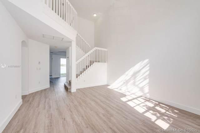 6714 NW 107th Pl, Doral, FL 33178 (MLS #A10766067) :: Berkshire Hathaway HomeServices EWM Realty