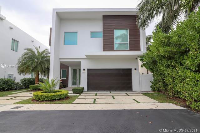 6850 NW 106th Ave, Doral, FL 33178 (MLS #A10905162) :: Prestige Realty Group