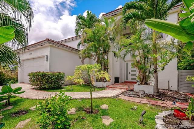 1935 Alamanda Dr, North Miami, FL 33181 (MLS #A11053516) :: Prestige Realty Group
