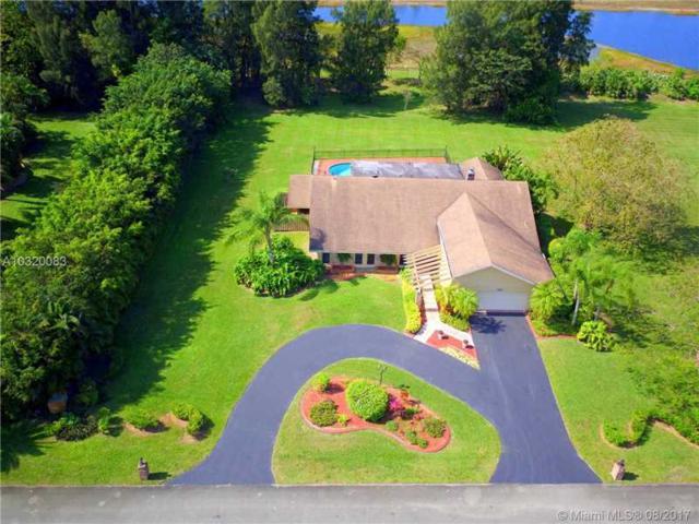 1721 SW 120th Ter, Davie, FL 33325 (MLS #A10320083) :: Green Realty Properties