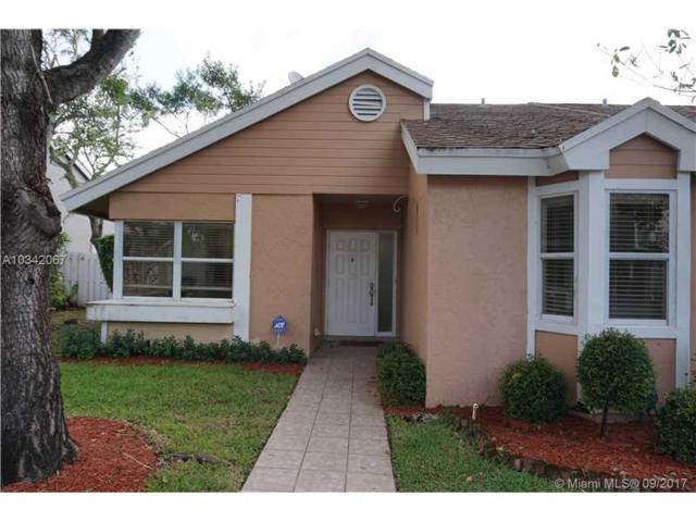 1120 SW 111th Ter, Davie, FL 33324 (MLS #A10342067) :: Castelli Real Estate Services