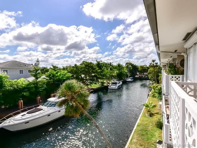 13105 Ixora Ct #310, North Miami, FL 33181 (MLS #A10622273) :: The Jack Coden Group