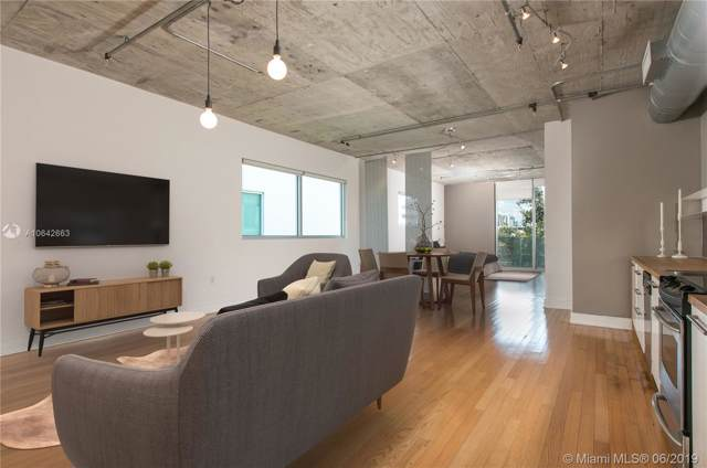 1700 Meridian Ave #410, Miami Beach, FL 33139 (MLS #A10642663) :: THE BANNON GROUP at RE/MAX CONSULTANTS REALTY I