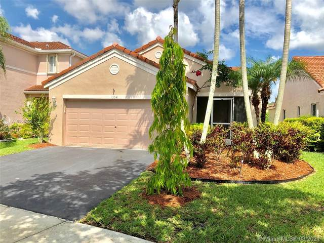 1354 Plumosa Way, Weston, FL 33327 (MLS #A10909033) :: The Riley Smith Group