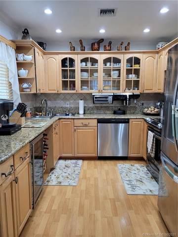 300 SW 134th Way 401E, Pembroke Pines, FL 33027 (MLS #A11022725) :: Castelli Real Estate Services