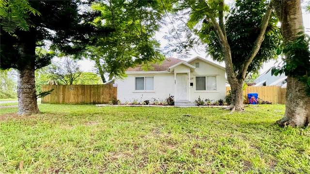 2402 S Cleveland St, Hollywood, FL 33020 (MLS #A11085954) :: Equity Realty