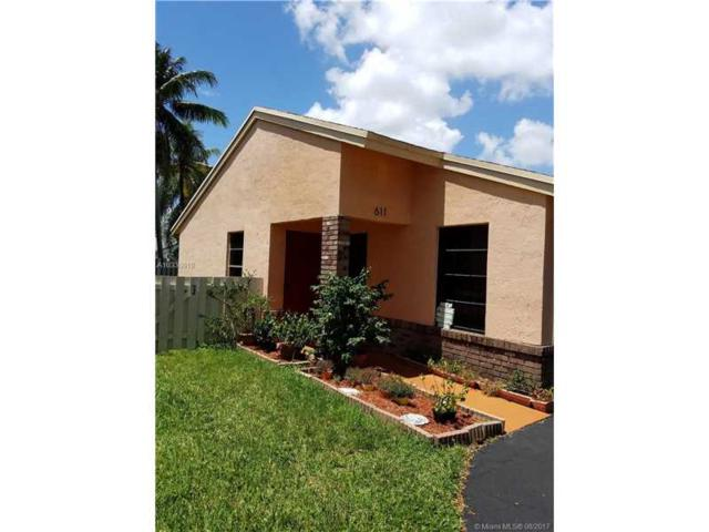 611 Green River Ln, Davie, FL 33325 (MLS #A10330819) :: The Chenore Real Estate Group