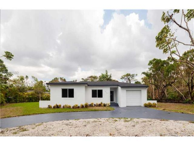 5710 SW 67th Ave, South Miami, FL 33143 (MLS #A10338092) :: The Riley Smith Group