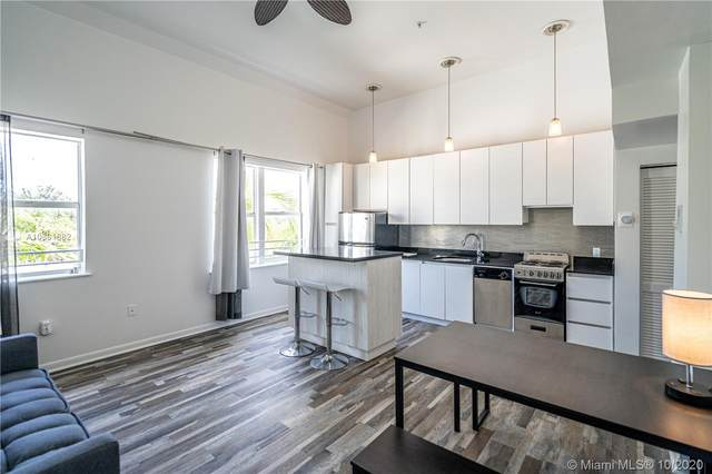 1521 Lenox Ave #301, Miami Beach, FL 33139 (MLS #A10861882) :: Ray De Leon with One Sotheby's International Realty