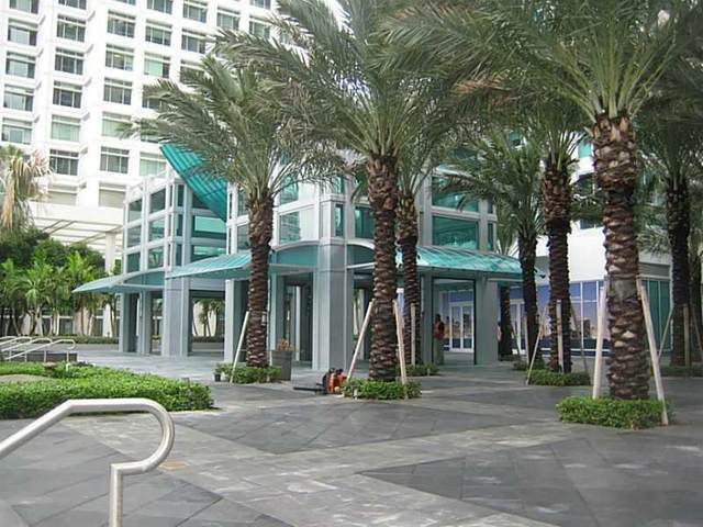 951 Brickell Av #4106, Miami, FL 33131 (MLS #A2030534) :: Berkshire Hathaway HomeServices EWM Realty
