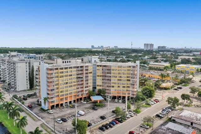2025 NE 164th St #804, North Miami Beach, FL 33162 (MLS #A10954737) :: The Howland Group