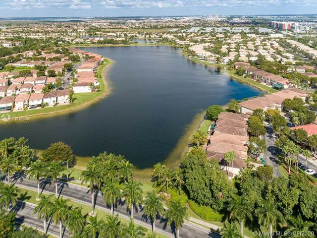 6714 NW 107th Pl, Doral, FL 33178 (MLS #A10766067) :: The Riley Smith Group