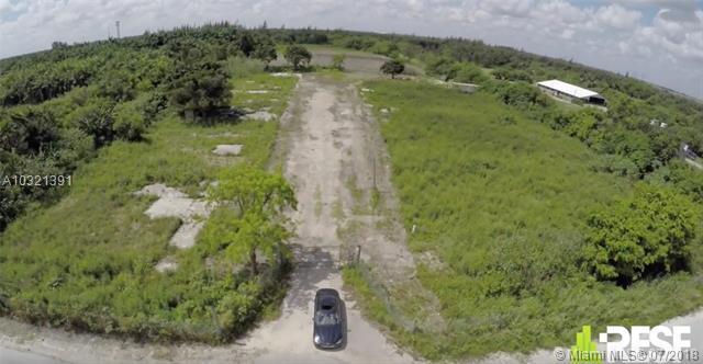 13850 NW 186 St, Hialeah, FL 33018 (MLS #A10321391) :: Green Realty Properties