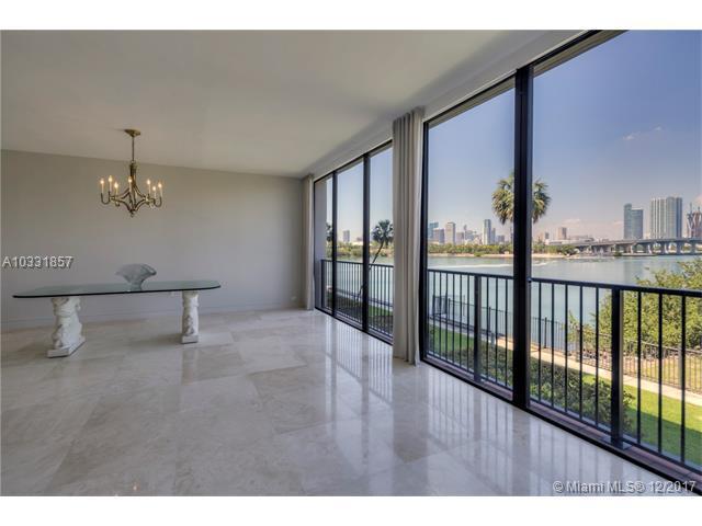 1000 Venetian Way #110, Miami Beach, FL 33139 (MLS #A10331857) :: The Teri Arbogast Team at Keller Williams Partners SW