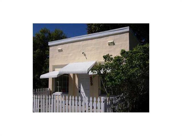 209 N H St, Lake Worth, FL 33460 (MLS #A2119142) :: Green Realty Properties