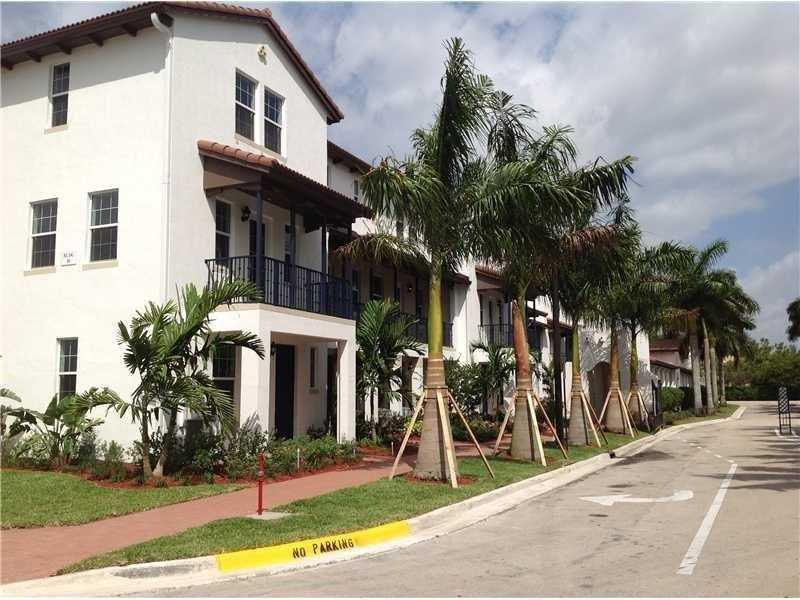 2561 SW 119 Way #1608, Miramar, FL 33025 (MLS #A10140875) :: United Realty Group