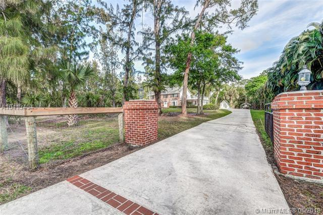 17340 Wildwood Rd, Jupiter, FL 33478 (MLS #A10413404) :: Calibre International Realty