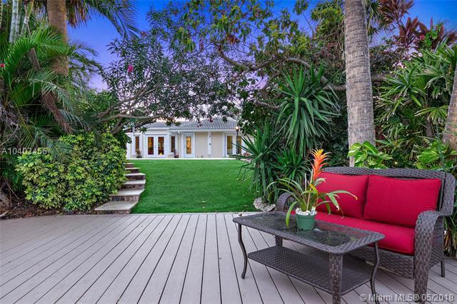 1922 Tudor Rd, Juno Beach, FL 33408 (MLS #A10403456) :: Green Realty Properties