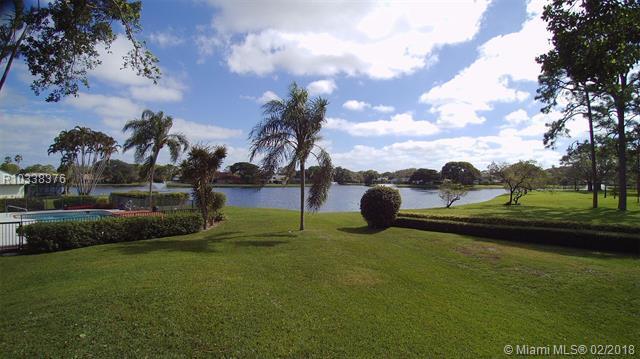6474 Woodthrush Ct, Palm Beach Gardens, FL 33418 (MLS #R10338376) :: The Teri Arbogast Team at Keller Williams Partners SW