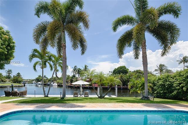 1410 SE 12th St, Deerfield Beach, FL 33441 (MLS #A10330302) :: Stanley Rosen Group