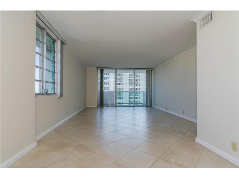 1000 West Ave #902, Miami Beach, FL 33139 (MLS #A10162068) :: United Realty Group