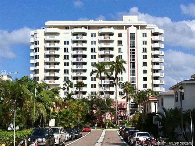 1621 Bay Rd #502, Miami Beach, FL 33139 (MLS #A10302351) :: The Paiz Group