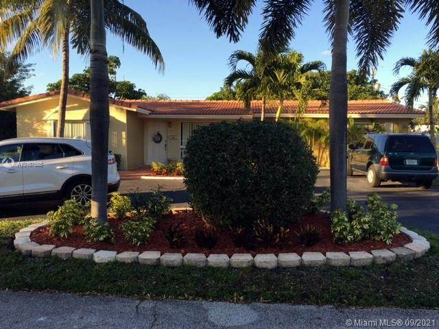 1621 NE 59th Pl, Fort Lauderdale, FL 33334 (MLS #A10167565) :: Equity Realty