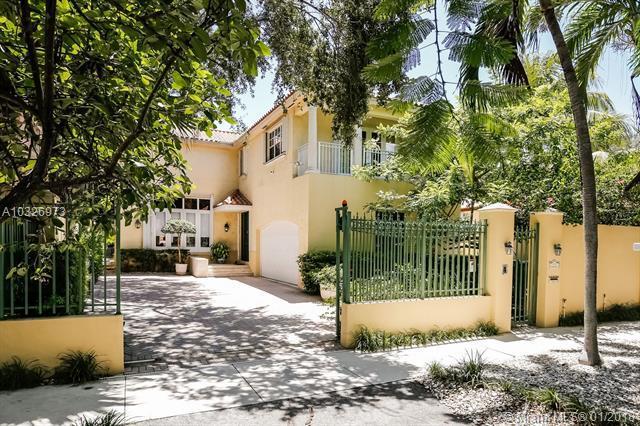 1762 Espanola Dr, Coconut Grove, FL 33133 (MLS #A10326973) :: The Teri Arbogast Team at Keller Williams Partners SW